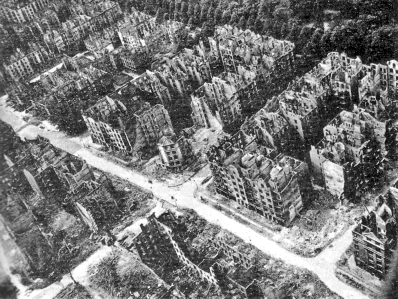 Aerial bombardment of hamburg aoav for How many homes were destroyed in germany in ww2